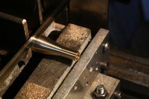 Grundkoerper-fliekraftregler
