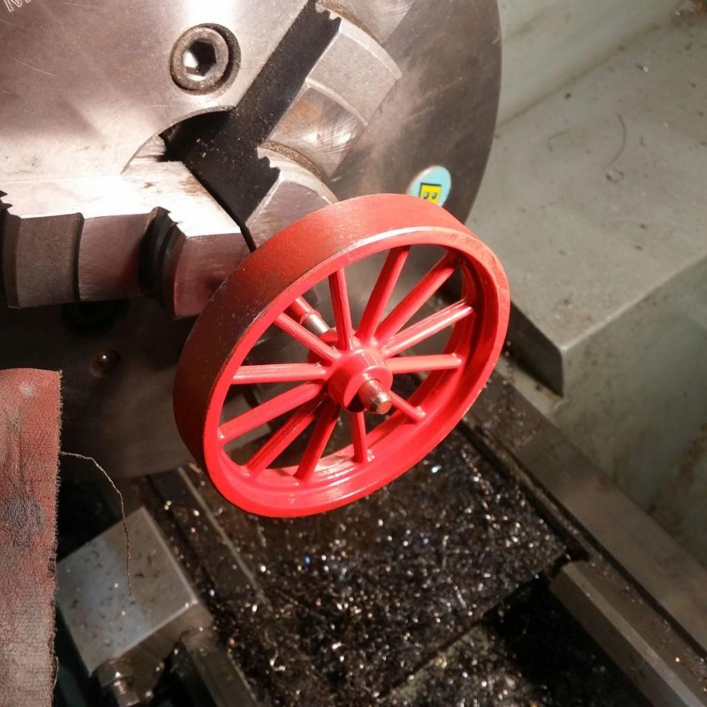 stirlingmotor-lackieren-schwungrad