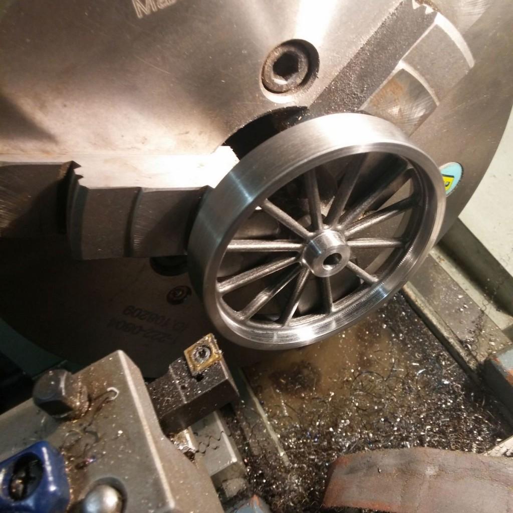 stirlingmotor-schwungrad-modellbau