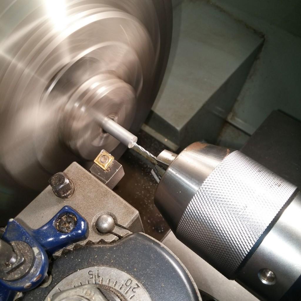 stirlingmotor-sockel-drehen