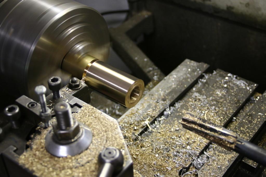 zylinder-drehen-dampfmaschine