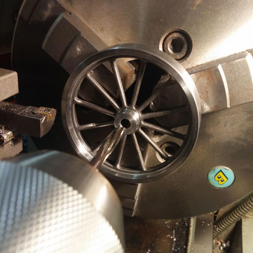 schwungrad-stirlingmotor-modellbau