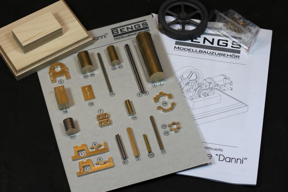 Dampfmaschine-danni-lieferumfang551a97a7c5023