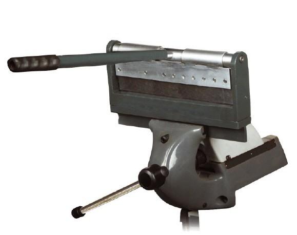 Kleine Abkantmaschine für den Schraubstock